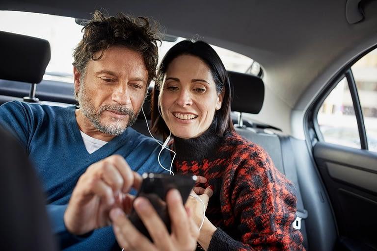 Uso de música em vídeos no Facebook e no Instagram