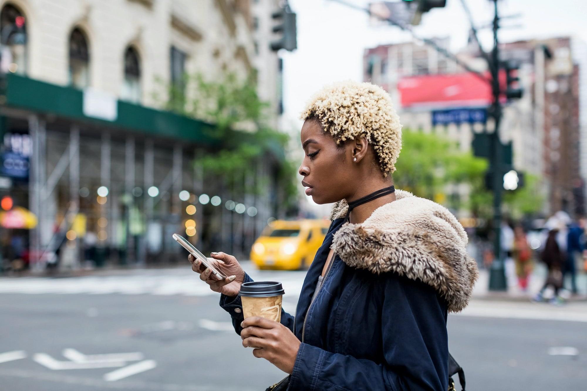 Discovery Commerce: crie experiências de compra sem atrito com as Lojas do Facebook e Instagram