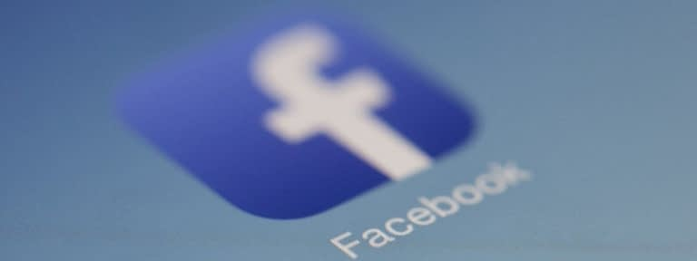 Facebook vai avisar quando você compartilhar notícias antigas